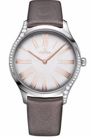 For this replica Omega watch, its delicate and elegant appearance absolutely highlights the whole dress.