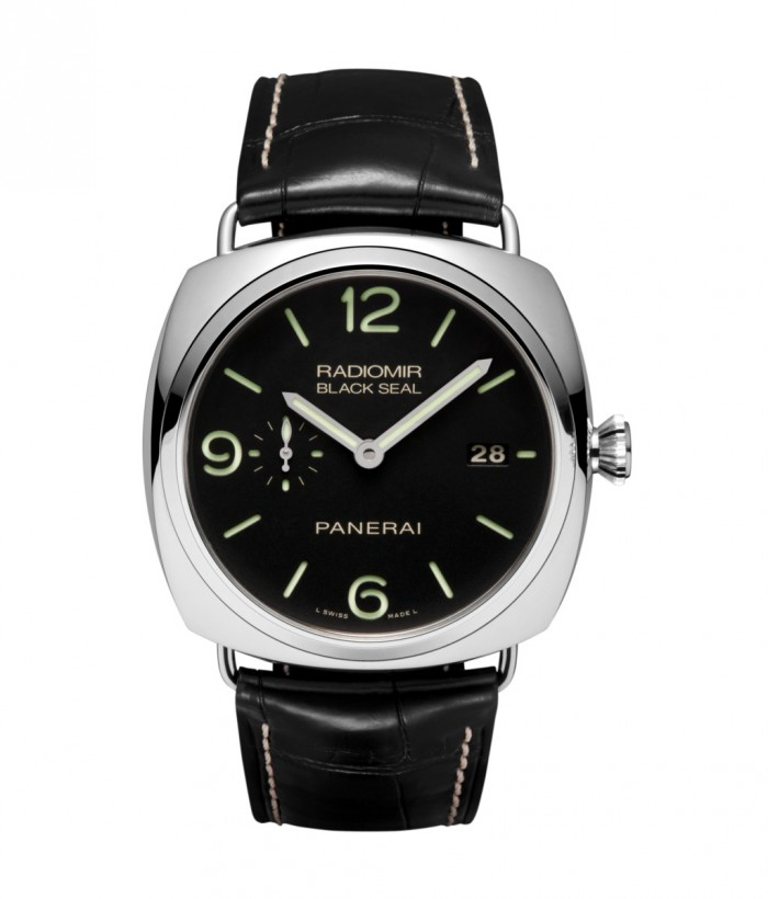 This fake Panerai watch is sized well at 45mm, very suitable for the tough guys.