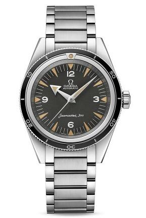 Adhering to the classical design features, this replica Omega watch always reminds of the ancient times.