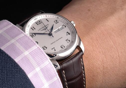 The Longines is suitable for both formal occasions and casual occasions.