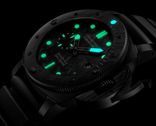 Super LumiNova luminescent coating ensure the good readability.