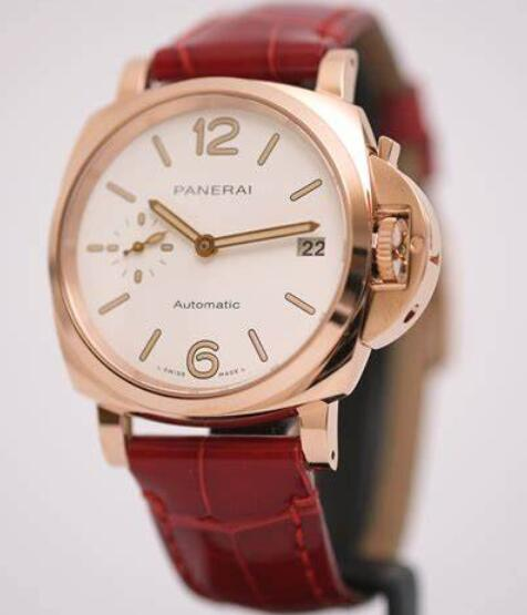 Delicate replica watches are showy for the bright red color.