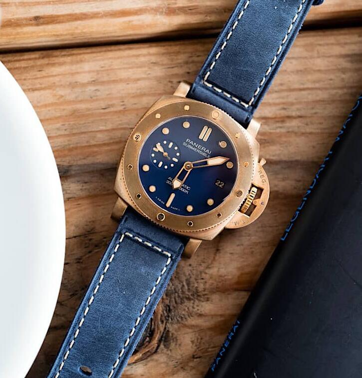 AAA imitation watches are showy for the blue color.