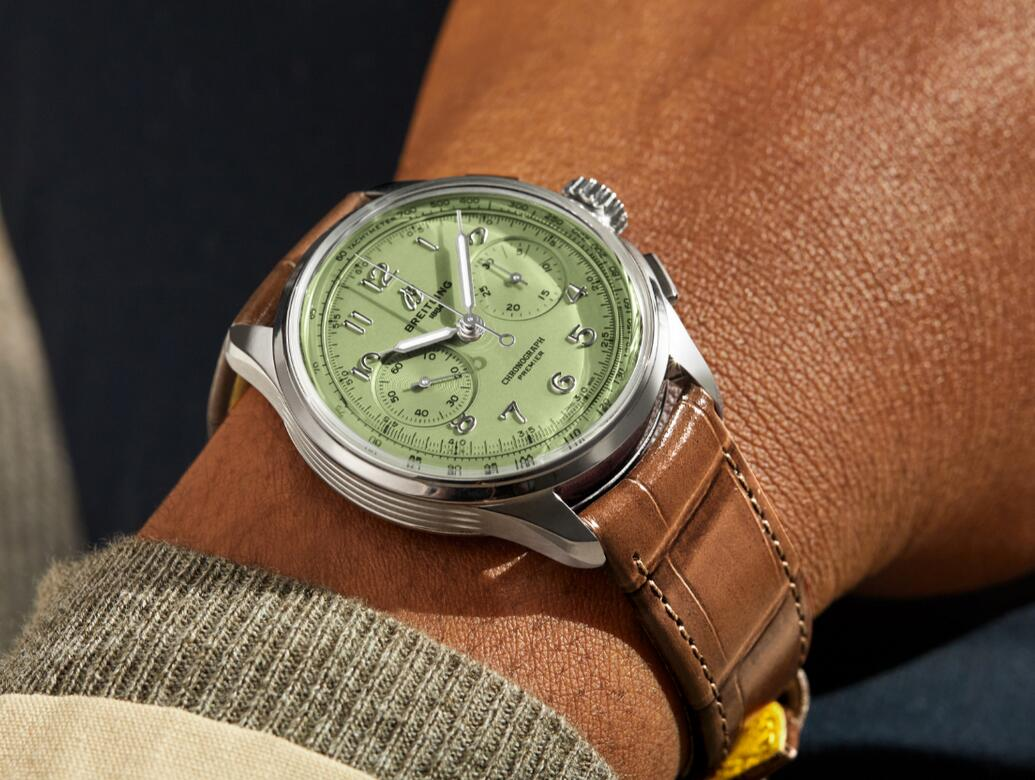 New replication watches are refreshing for the light green color.